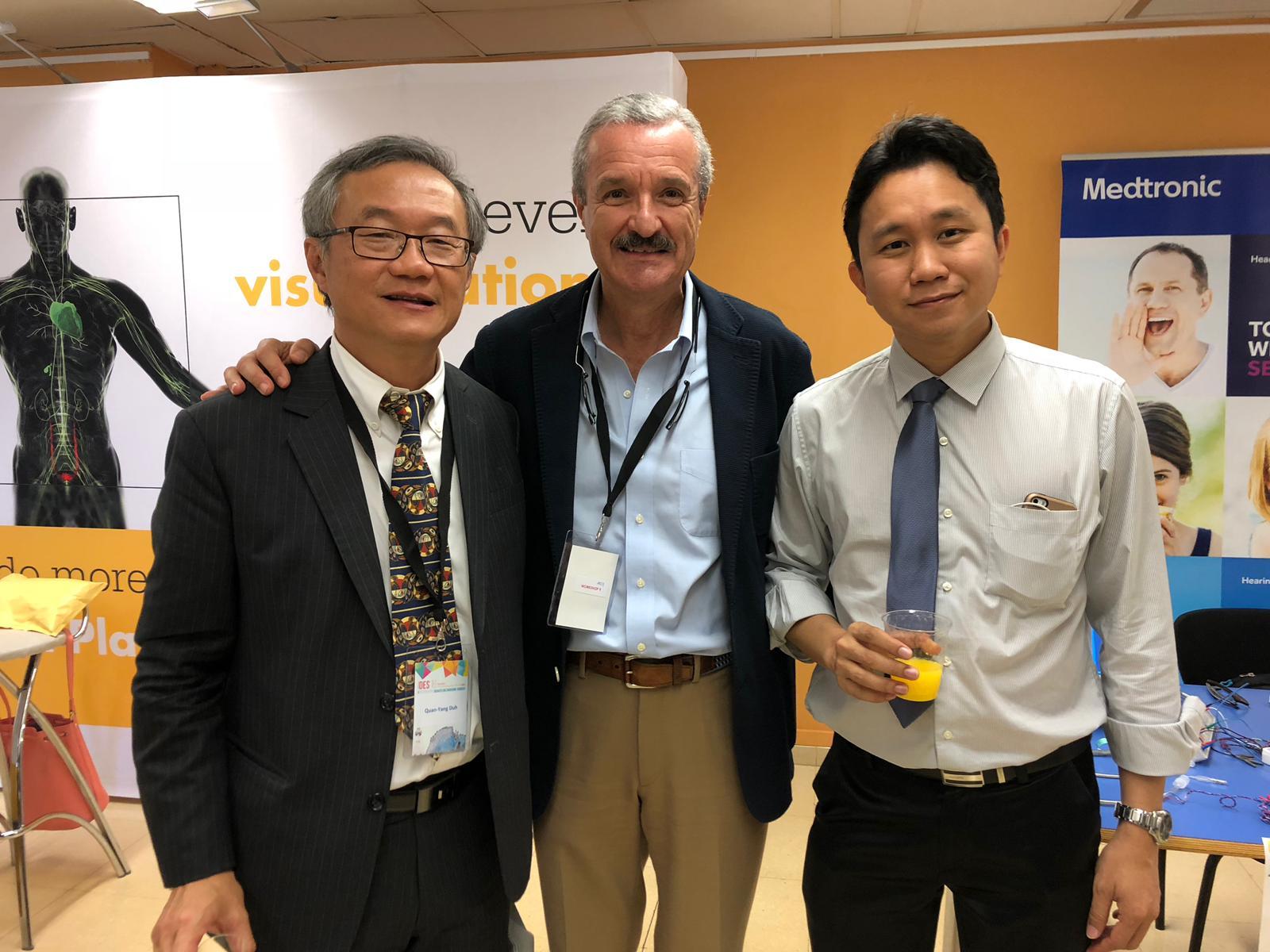 Con el Dr. Quan-Yang (USA) y Dr. Anuwong (Tailandia)